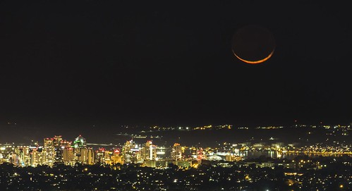 San Diego´s Moon Set
