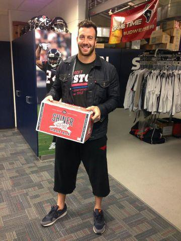 Connor Barwin In Sportiqe Detroit Pistons Shirt