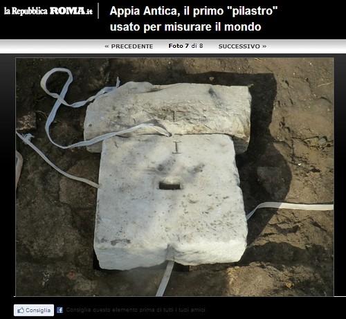 """ROMA ARCHEOLOGIA: Appia Antica, il primo """"pilastro"""" che misurò il mondo - Appia Antica, tra il monumento a Cecilia Metella (caposaldo A) e la torre in località Frattocchie di Marino (caposaldo B). LA REPUBBLICA (15/01/2013)."""