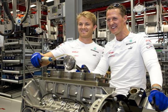 Michael Schumacher und Nico Rosberg zu Besuch bei Mercedes-AMG i
