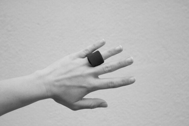 RIng Cozy | neoprene jewelry ring protector