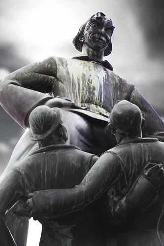 Lange Wapper statue Antwerp