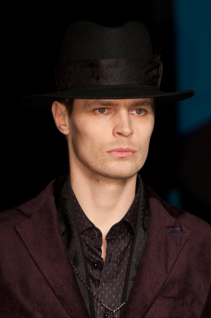 Adrian Wlodarski3317_FW13 Milan Diesel Black Gold(fashionising.com)