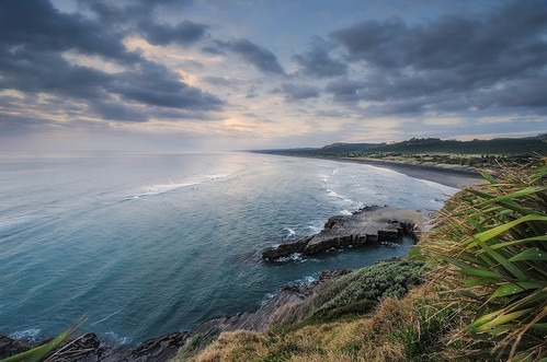 sunset newzealand clouds blacksand nikon wideangle auckland northisland westcoast muriwai colourimage leefilters 1024mm d7000 lee06gndhard lee06gndsoft availableingettyimages