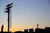 日没後の工場