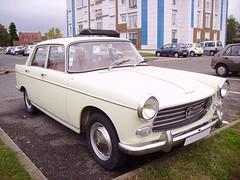 Peugeot 404 crême