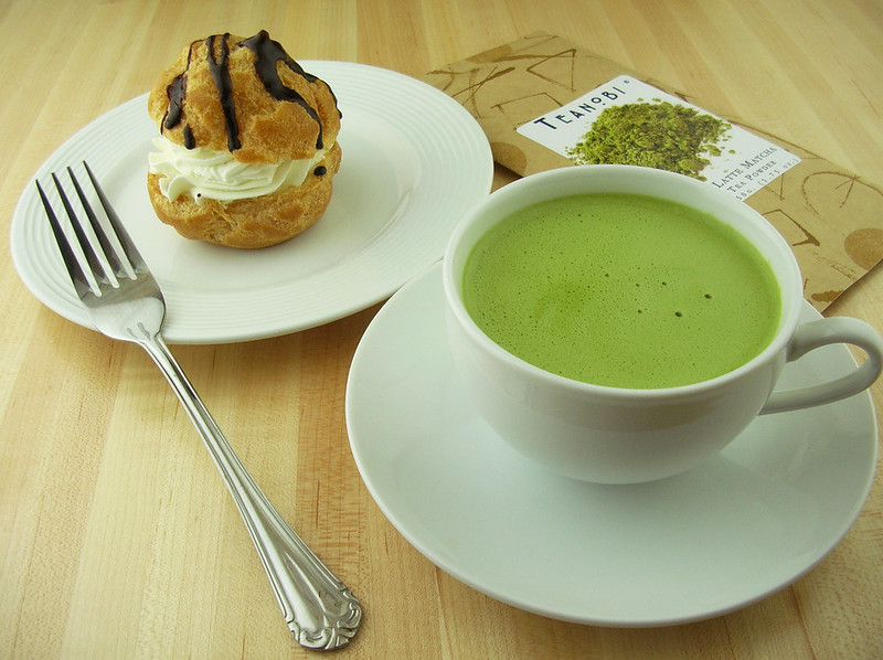 Matcha Latte with Cream Puff