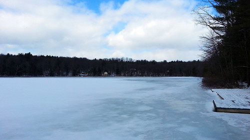 schnee winter frozen spring pennsylvania nieve pa neve neige boathouse 雪 wintercamp śnieg waynecounty babybeach ثلج barkleylake сніг हिमपात waynecountypa campstbasil barkleylakepa campsaintbasil