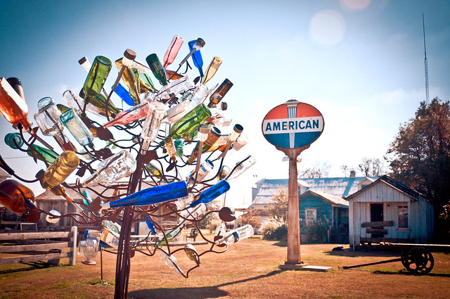 American Sign & Bottle Tree - The Shack Up Inn, Clarksdale, MS | PopArtichoke