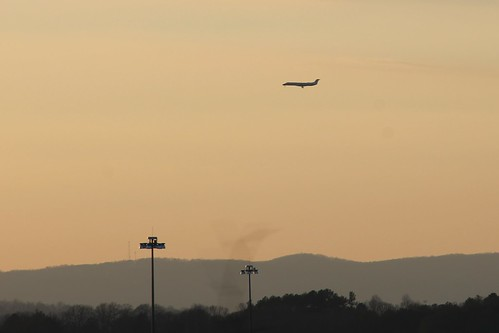 sunset sky chattanooga plane airplane evening flying landing