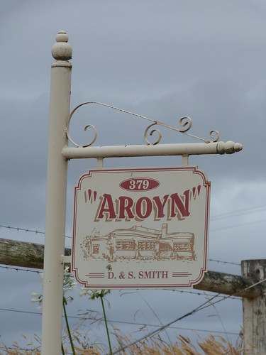 Aroyn, Nyora