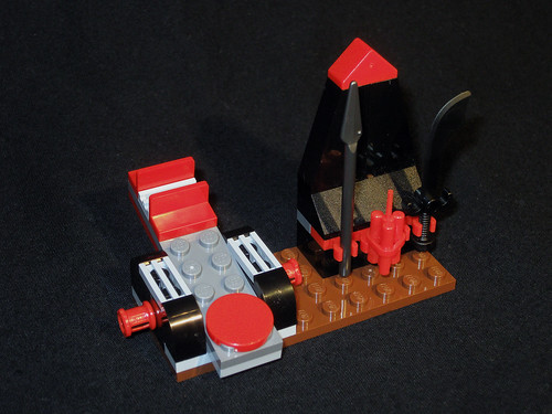70503 Catapult and Weapons Rack