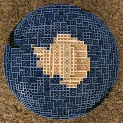 dirks LEGO globe - closeup 09 southpole