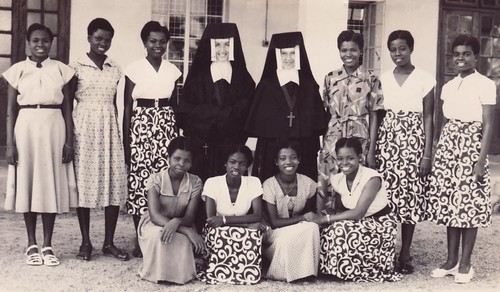 1954. The first class in Kano with Mother M. Isabel and Sr Eileen Nolan