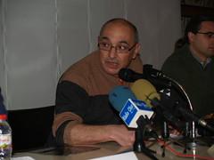 Antoni Moreno, professor de l'IES La Garrotxa i coordinador del sistema d'eficiència energètica, durant la seva intervenció en la presentació dels resultats.