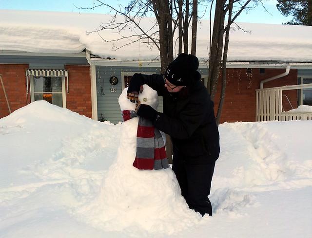 We're building a snowman - 1