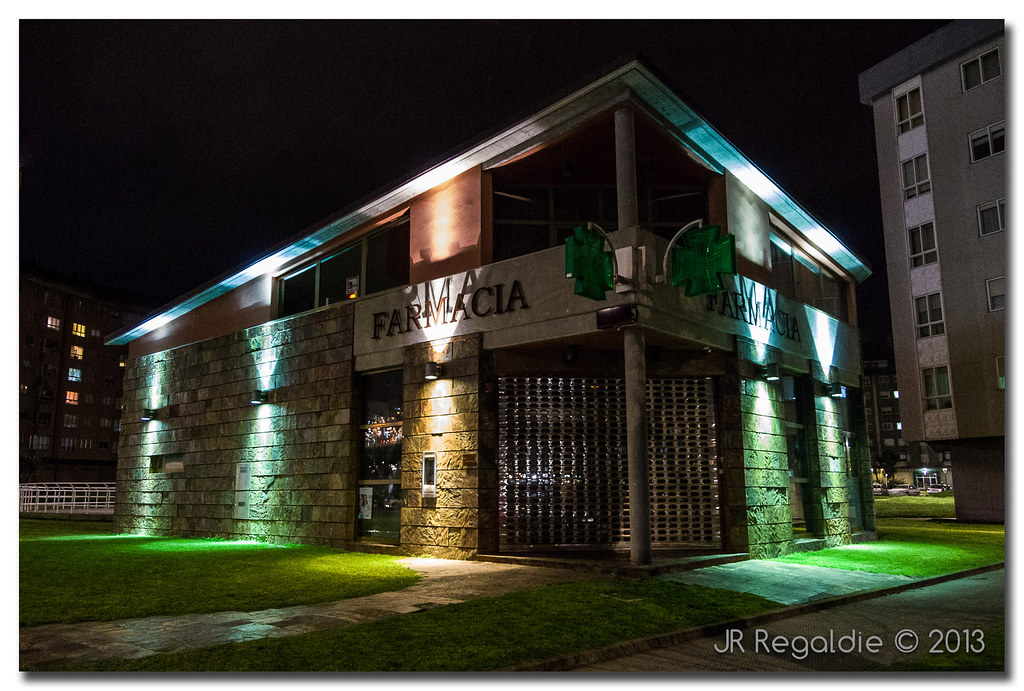 Farmacia de colores by JR Regaldie Photo