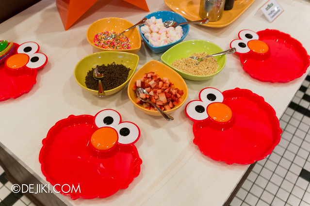 Sesame Street Character Breakfast at Universal Studios Singapore - Elmo plates for children