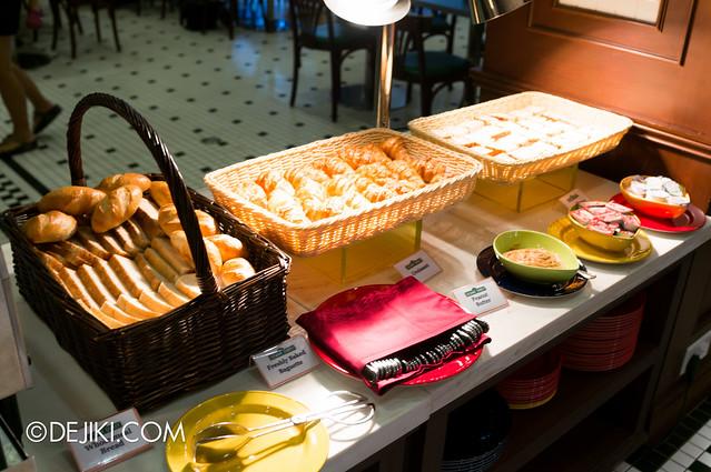 Sesame Street Character Breakfast at Universal Studios Singapore - freshly baked