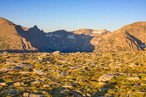 morning summer mountains yellow sunrise colorado unitedstates rockymountains estespark tundra rockymountainnationalpark continentaldivide