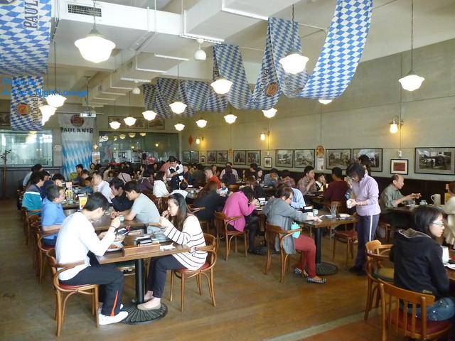 寶萊納啤酒餐廳用餐區一隅