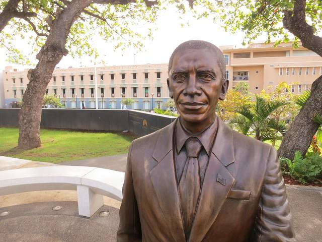Obama Statue