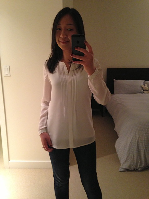 Banana Republic White Silk Pintuck blouse XXS Petite