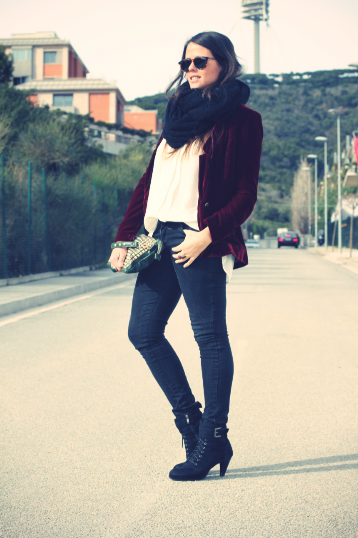 LOOK Burgundy Blazer