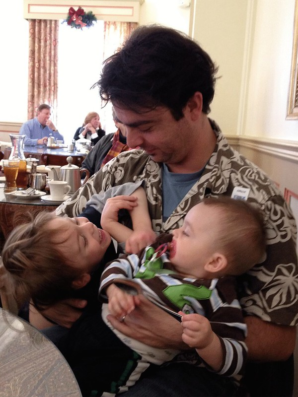 Henri_and_kids_teatime