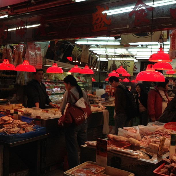 Was alone for a bit. Got lost. Ended up in a wet market. #hk #hongkong.