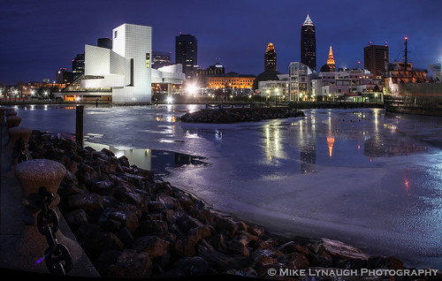 sunset ohio usa reflection skyline night evening downtown unitedstates cleveland halloffame rockandroll rockrollhalloffame clevelandskyline