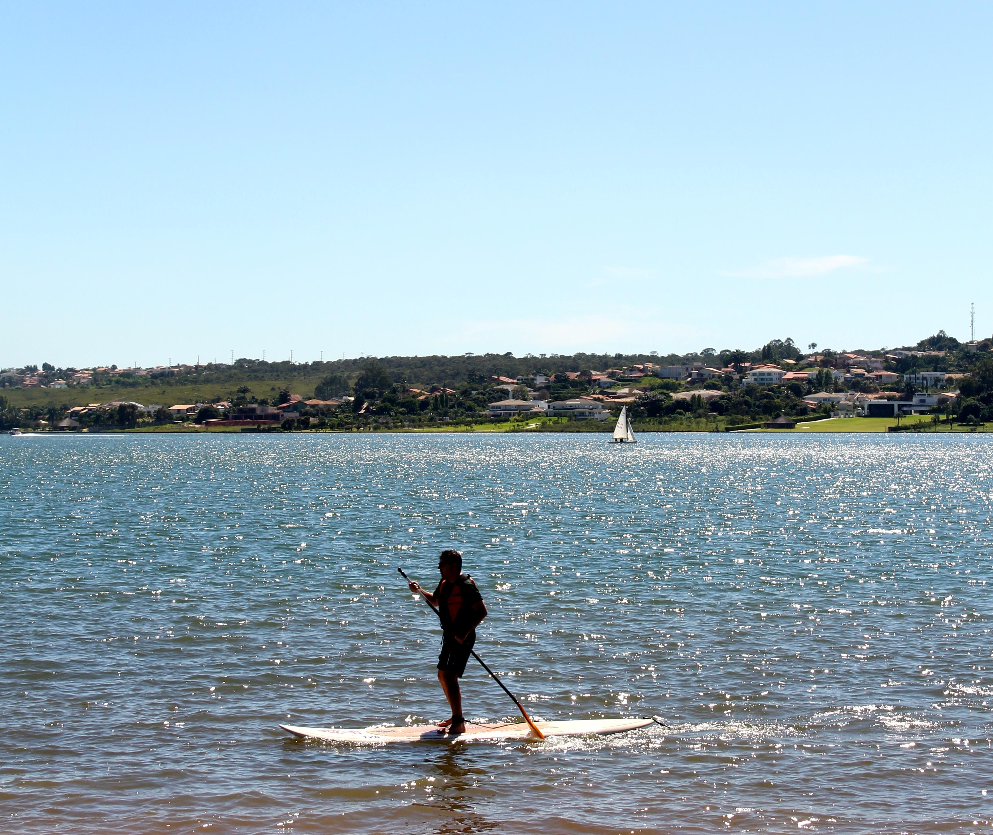 ec757da1d ... SUP no Lago Paranoá ...