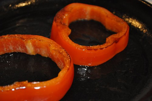 eggs in pepper rings 3