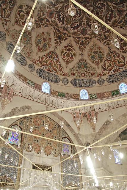 Interior of Üç Şerefeli Mosque, Edirne, Turkey エディルネ、ユチュ・シェレフェリ・モスク内部