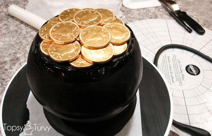 pot-o-gold-cake-gold-coins