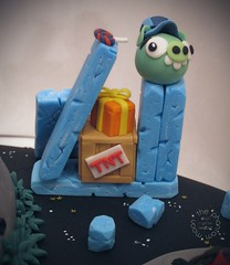 Pig Invasion Cake by The Phantom Moon (Angry Birds Space Green Pigs)g Invasion Cake_TPM_05