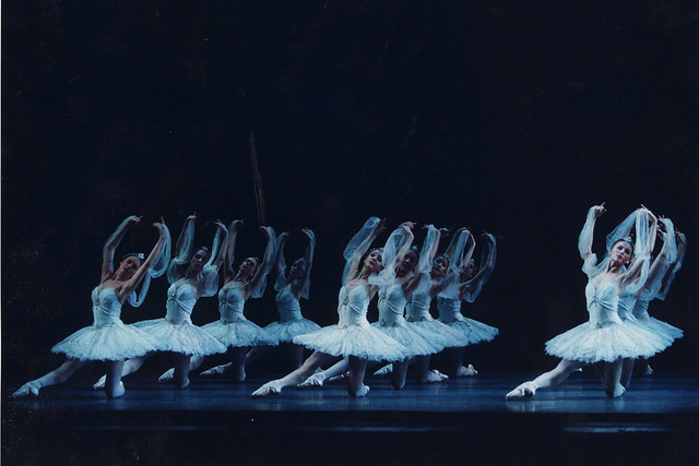 The Kingdom of the Shades in La Bayadère. © ROH / Dee Conway