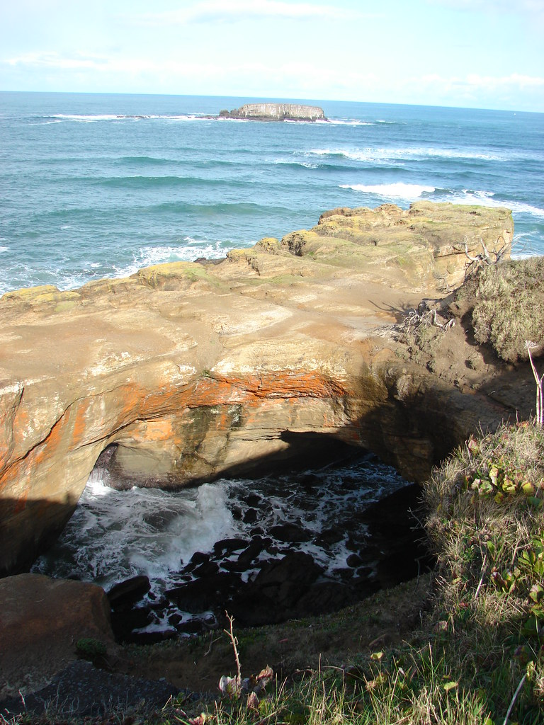 Devil's Punchbowl and Gull Rock
