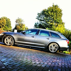 executive car(0.0), sedan(0.0), supercar(0.0), sports car(0.0), automobile(1.0), automotive exterior(1.0), wheel(1.0), vehicle(1.0), automotive design(1.0), audi allroad(1.0), land vehicle(1.0), luxury vehicle(1.0),
