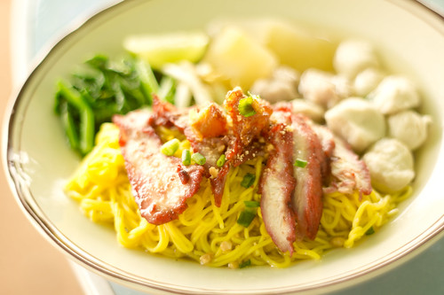 Thai's Yellow Noodle with Red Pork บะหมี่หมูแดง