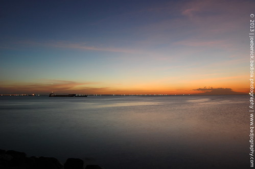 Manila Bay Golden Hour by badjuuuu