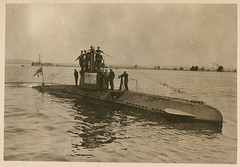 [German U-boat UB 14 with its crew]