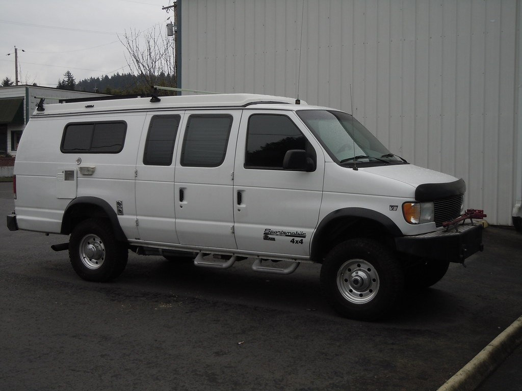 2002 Ford E350 Sportsmobile 7.3L V8 Quigley 4x4