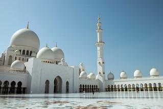 Image of Sheikh Zayed Grand Mosque near Abu Dhabi. abudhabi unitedarabemirates ae mosque grandmosque dome courtyard minaret