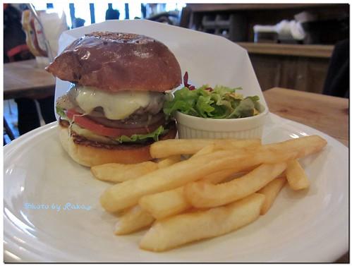 2013-01-04_ハンバーガーログブック_【広尾】BurgerManiaHiroo 年の初めはやっぱりお餅でしょ。-04