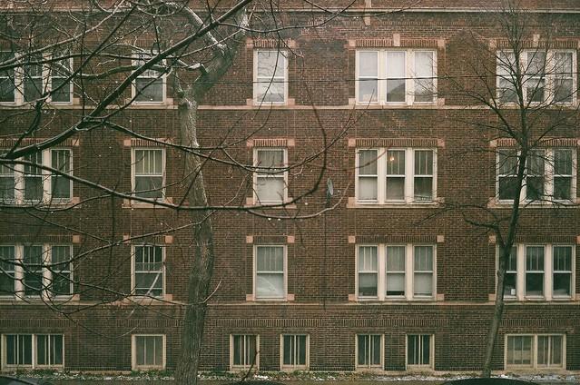 brick apartment building in roscoe village chicago il