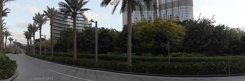 Dubai 2012-01 Burj Khalifa park, panorama