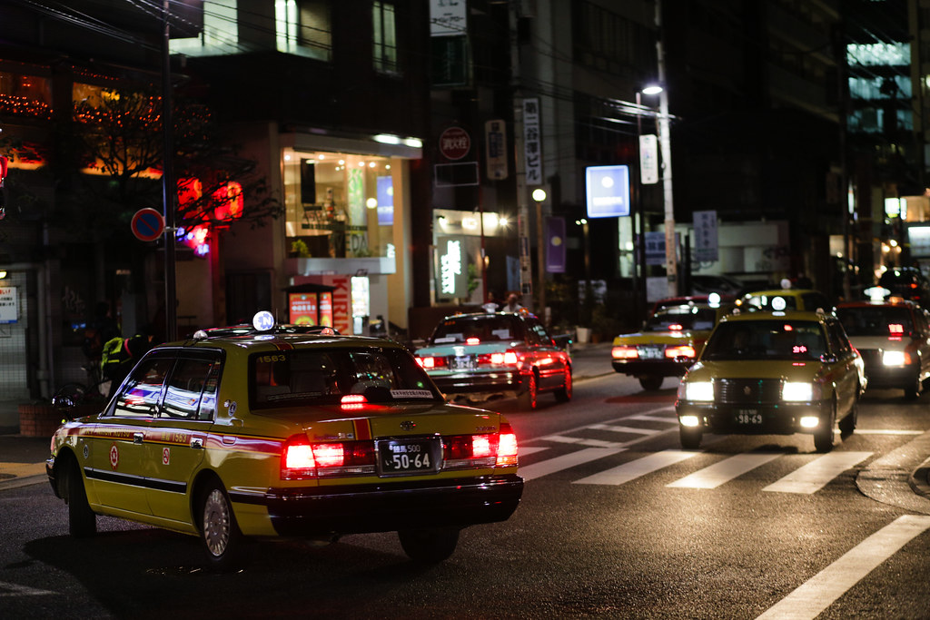Nishiazabu 3 Chome, Tokyo, Minato-ku, Tokyo Prefecture, Japan, 0.013 sec (1/80), f/2.8, 85 mm, EF85mm f/1.8 USM