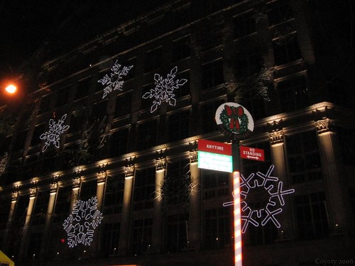 Saks Fifth Avenue snowflake display by Coyoty