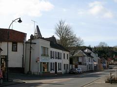 Picquigny (rue principale - angle rue de la Vigne) 0196